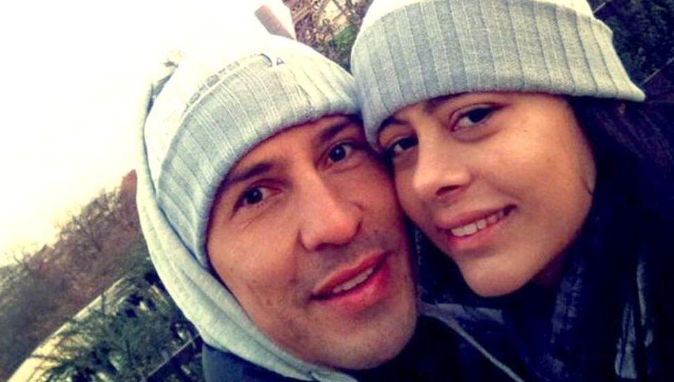 Jonathan Fabbro junto a su pareja, la modelo Larisa Riquelme.