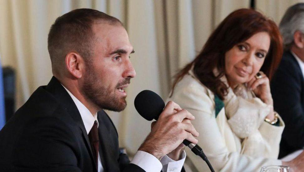 Cristina Kirchner respaldó a Guzmán ante la oferta por la deuda externa