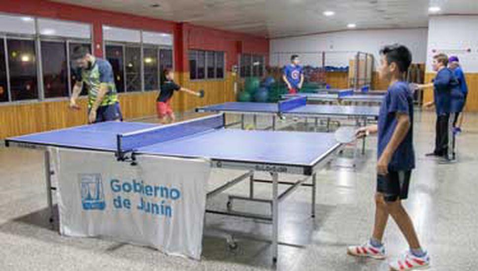 En instalaciones del Club Junín se brinda la capacitación, todos los viernes.