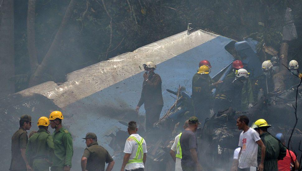 Tragedia aérea en Cuba: se estrelló un avión comercial con 113 personas a bordo