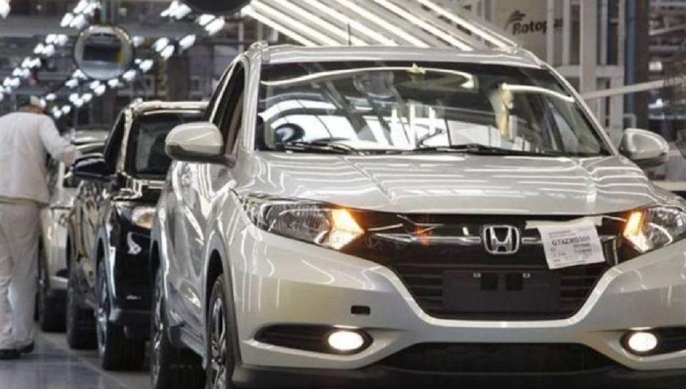 Importante automotriz deja de producir autos en el país