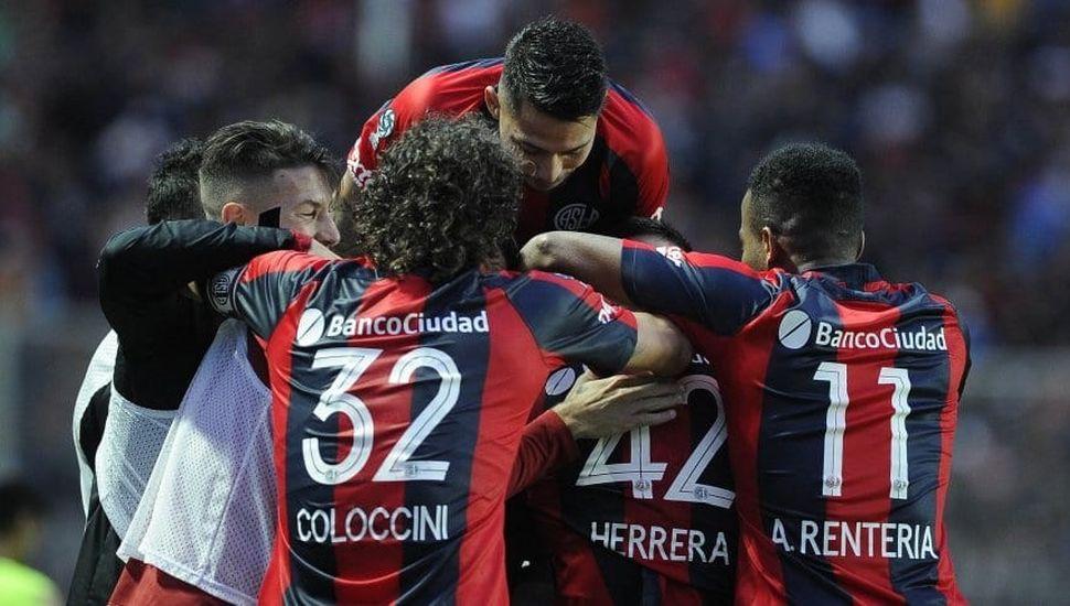 San Lorenzo busca  el pase a los cuartos  de final en Paraguay