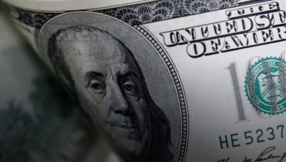El dólar subió 17 centavos y cerró a $58,40