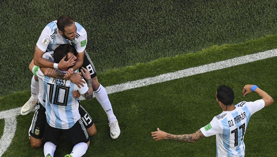Argentina consiguió un agónico triunfo ante Nigeria
