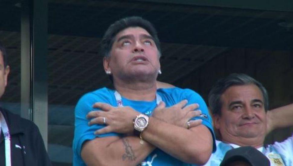 El show de gestos de Maradona desató una catarata de memes