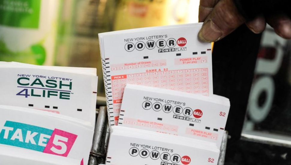 Insólito: ganó la lotería gracias a los números que soñó hace 24 años