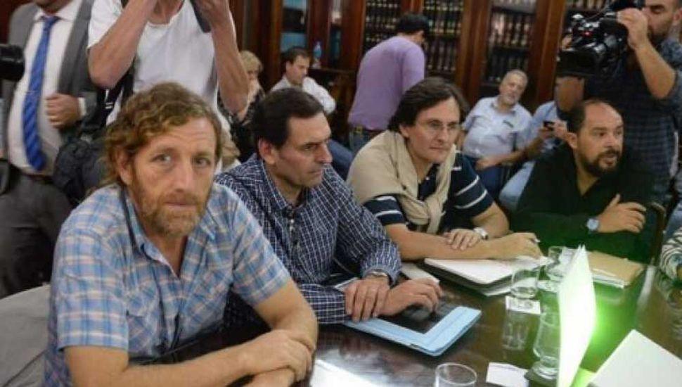 Oscar De Isasi, titular de ATE bonaerense, avisó que pedirá un aumento del 20%.