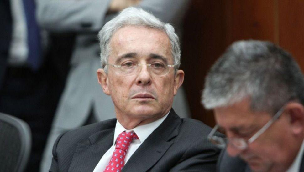 La Justicia colombiana ordenó  la prisión domiciliaria de Uribe