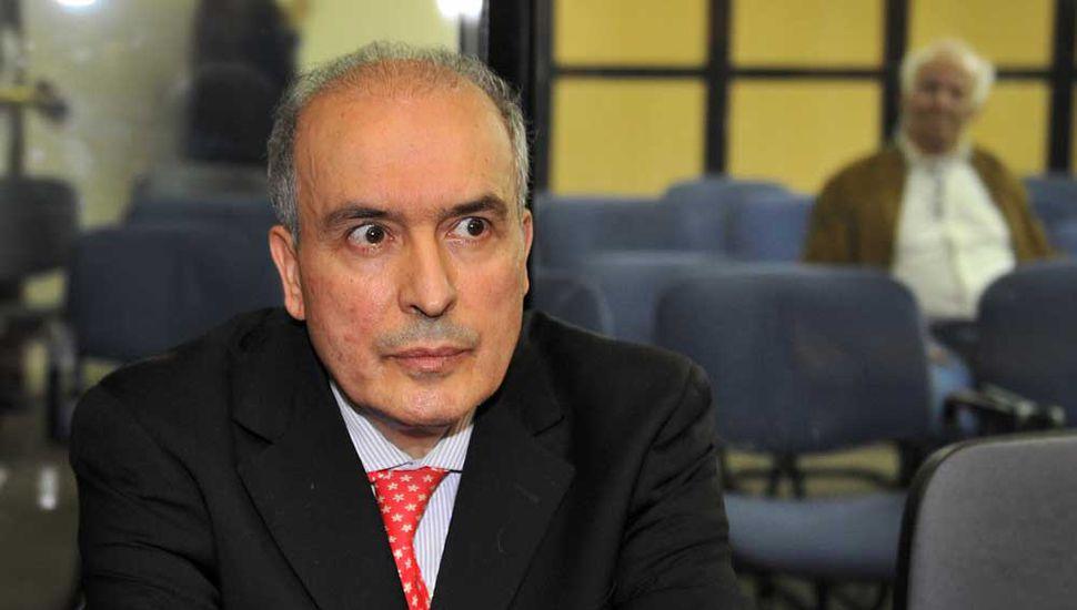 Bolsos: multa millonaria y 6 años de prisión para López