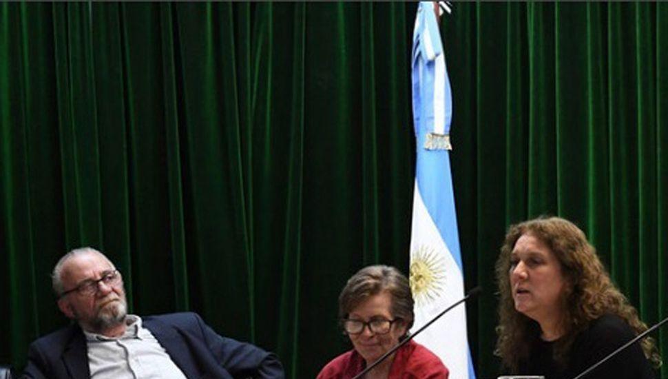 Nora Chiesa (en el centro) durante el reconocimiento.