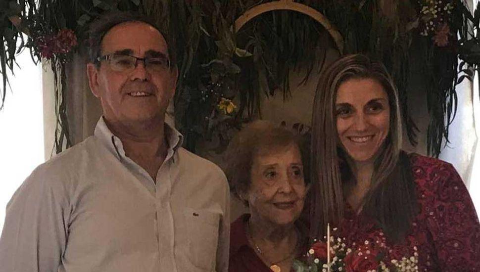 Nélida Grueiro de Siri festejó jóvenes 90 años de vida en Coronel Granada
