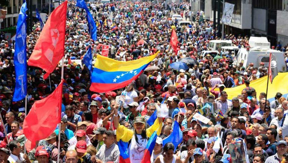 Habrá hoy nuevas marchas  contra Nicolás Maduro