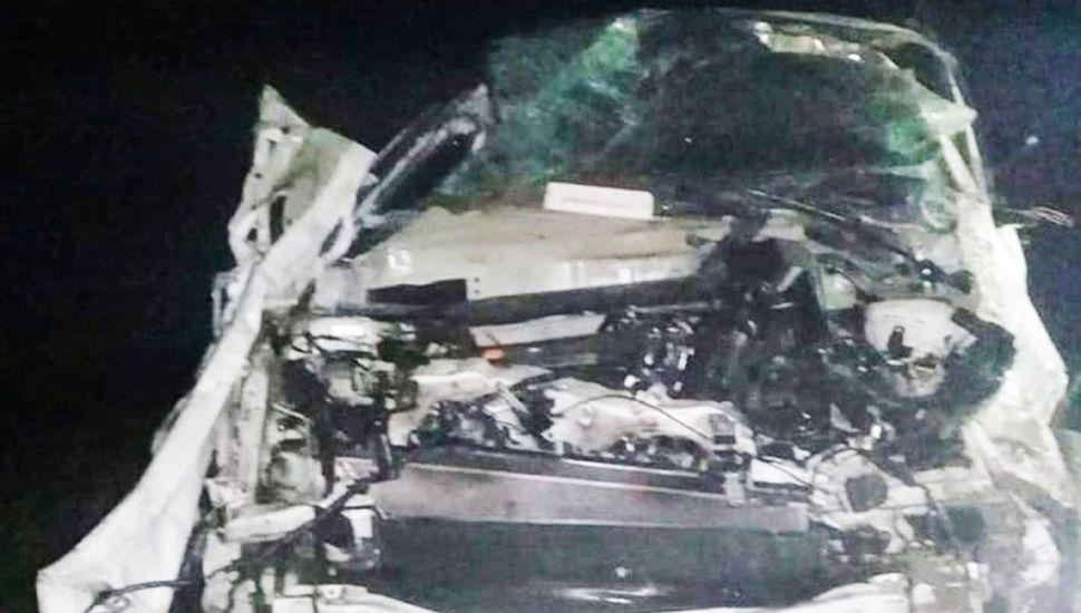 El vehículo conducido por El Pepo quedó destrozado tras el vuelco fatal en la Ruta 63.