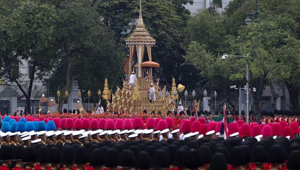 Tailandia despide al rey Bhumibol