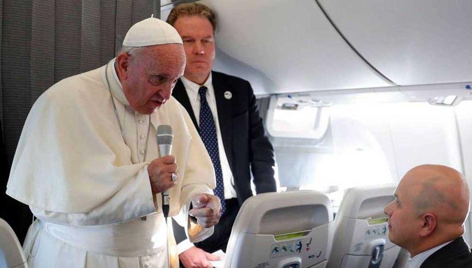 """El Papa: """"En otros tiempos, los abusos también se cubrían en las casas"""""""