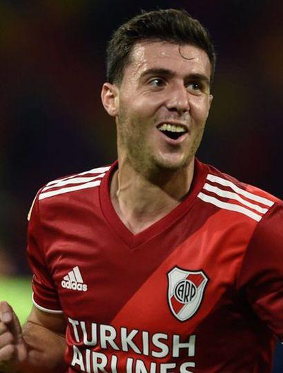 José Paradela, el exjugador de Rivadavia de Lincoln que ahora defiende los colores de River Plate.