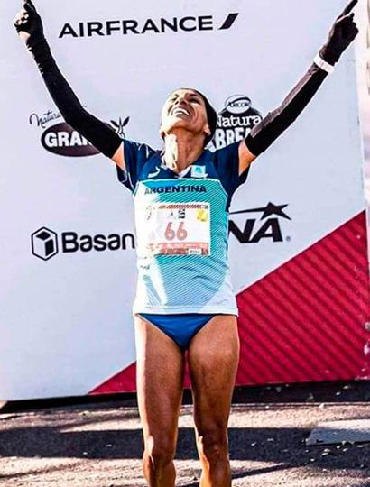 La argentina Marcela Gómez ganó el Maratón de Sevilla 2020, con excelente marca.