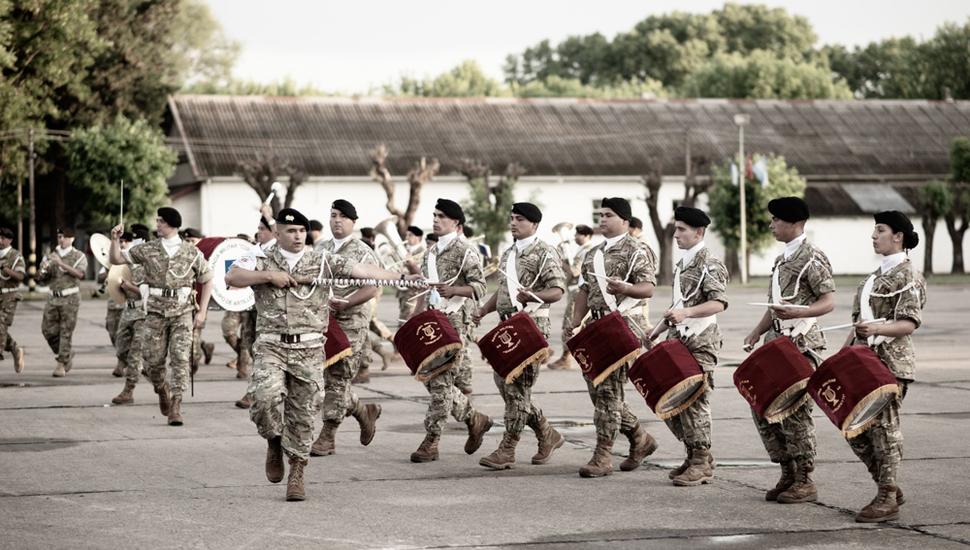 Tras la formación, se realizó el desfile.