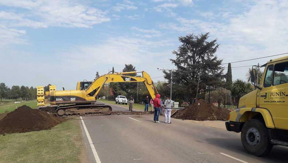 Realizan trabajos en el camino al Parque Natural.