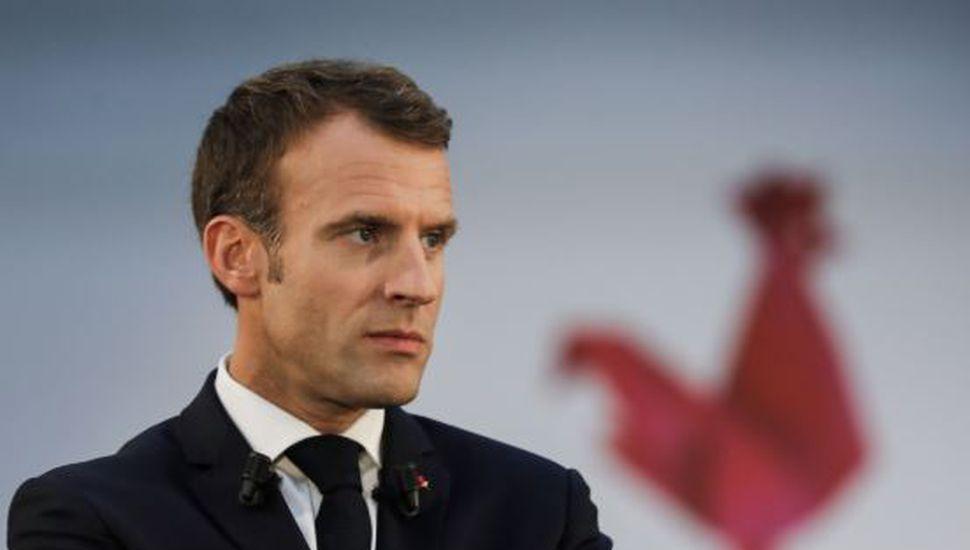"""Emmanuel Macron conmocionado por el incendio de Notre Dame: """"Una parte de nosotros se quema"""""""