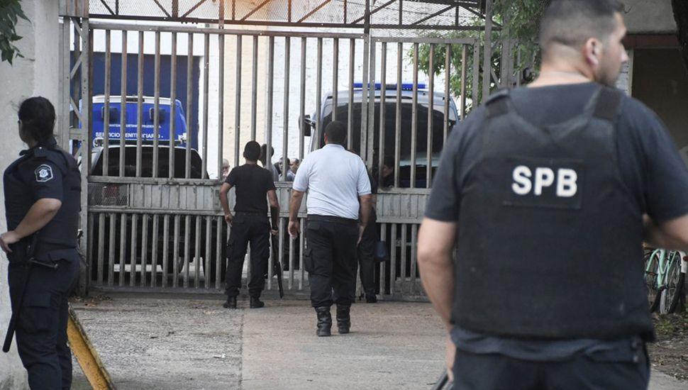 Las cárceles, lejos de ser un ámbito para la recuperación de detenidos, suelen ser centros de torturas.