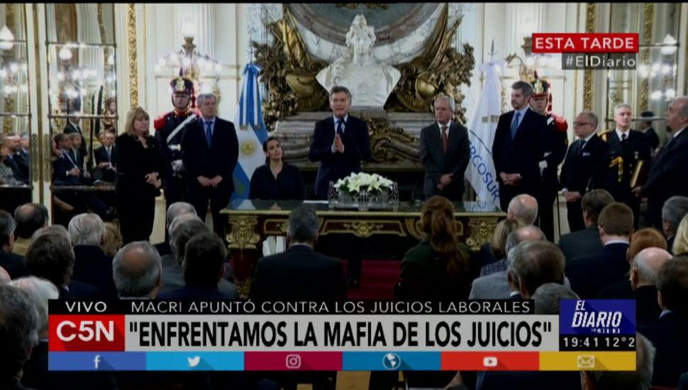 Mauricio Macri habló como empresario y apuntó contra los abogados.