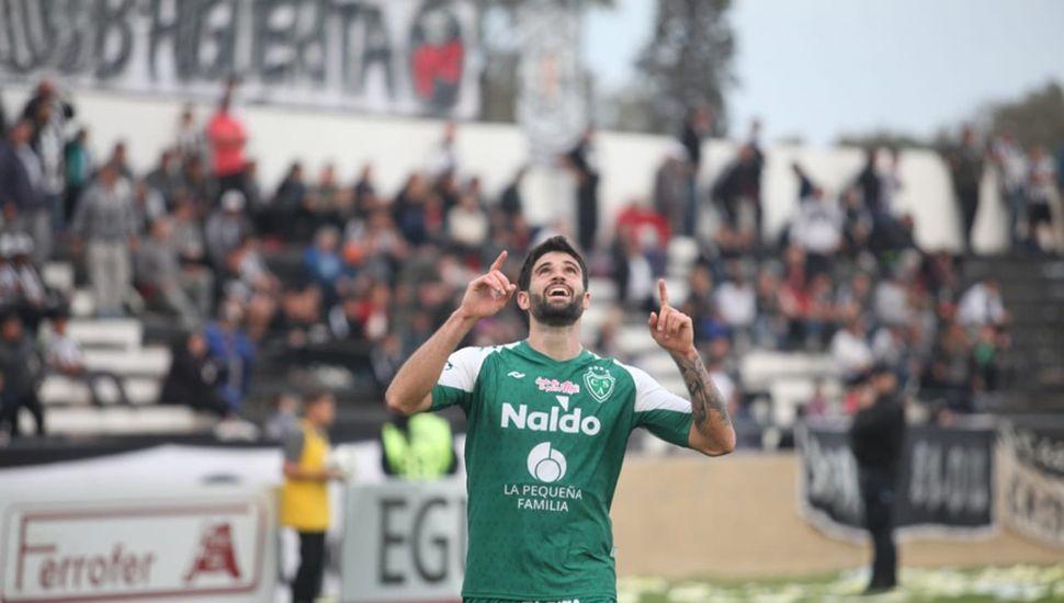 El goleador. Orsini marcó el segundo para el Verde, también  fue el quinto de su cuenta personal en el torneo.
