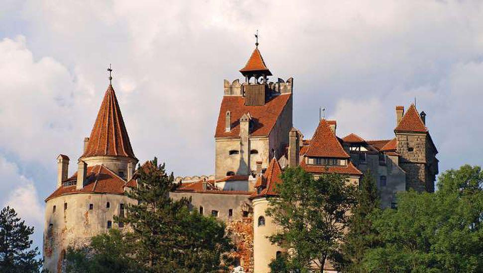 Siguen asustando en el castillo de Drácula