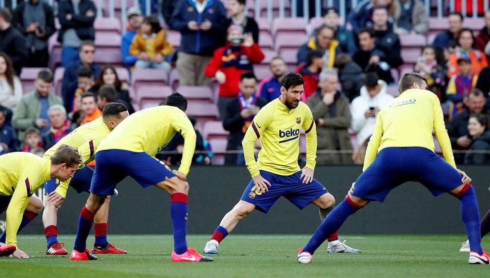 El plantel del Barcelona rechazó la propuesta de rebaja salarial.