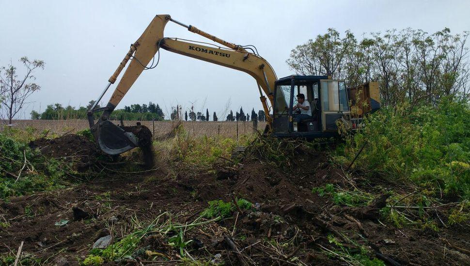 Cloacas y agua potable para Arribeños: comenzaron las obras