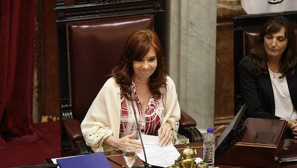 Cristina convoca la primera reunión virtual del Senado