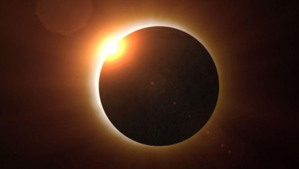 Consejos y cuidados para disfrutar el eclipse total solar que se verá en Junín