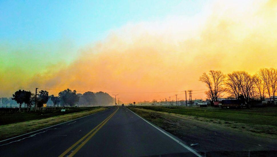 Grandes columnas de fuego y humo generaron preocupación en la tarde/noche de ayer.