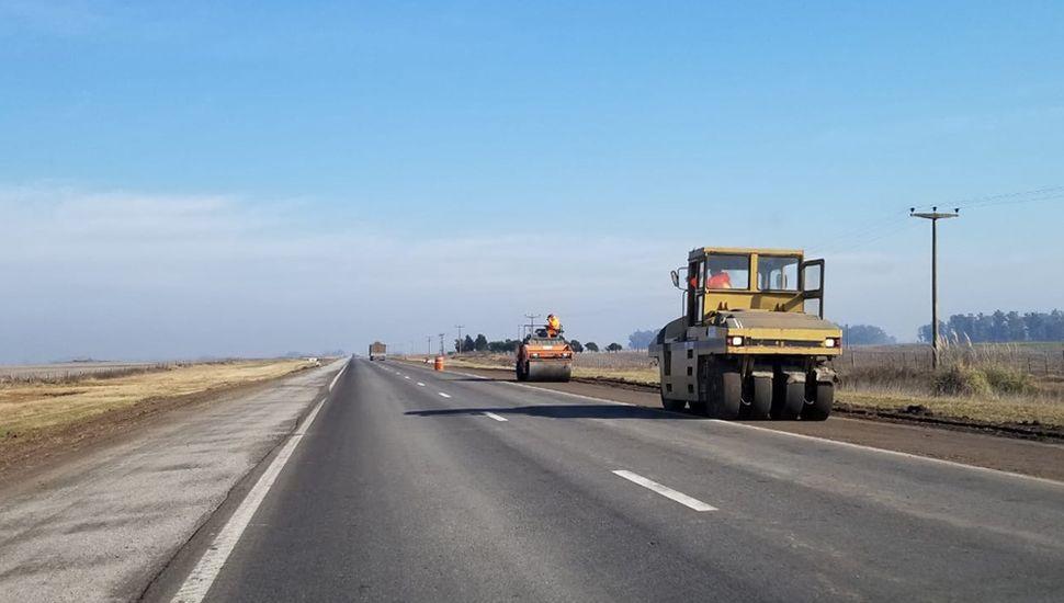 Desde julio, las máquinas trabajan en la transformación de ruta segura, entre Junín y Vedia.
