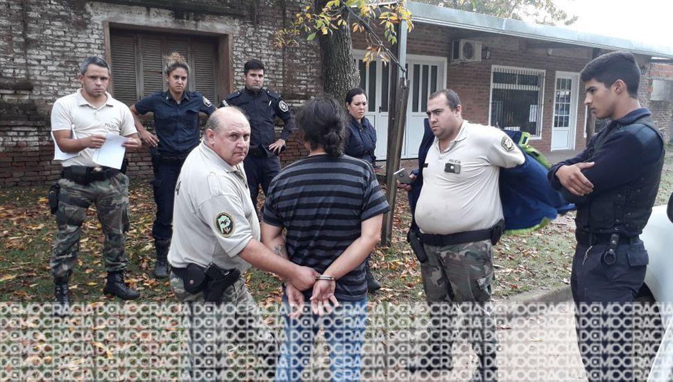 El acusado fue aprehendido a las 9.45 de ayer, a quien se le incautó un arma blanca.
