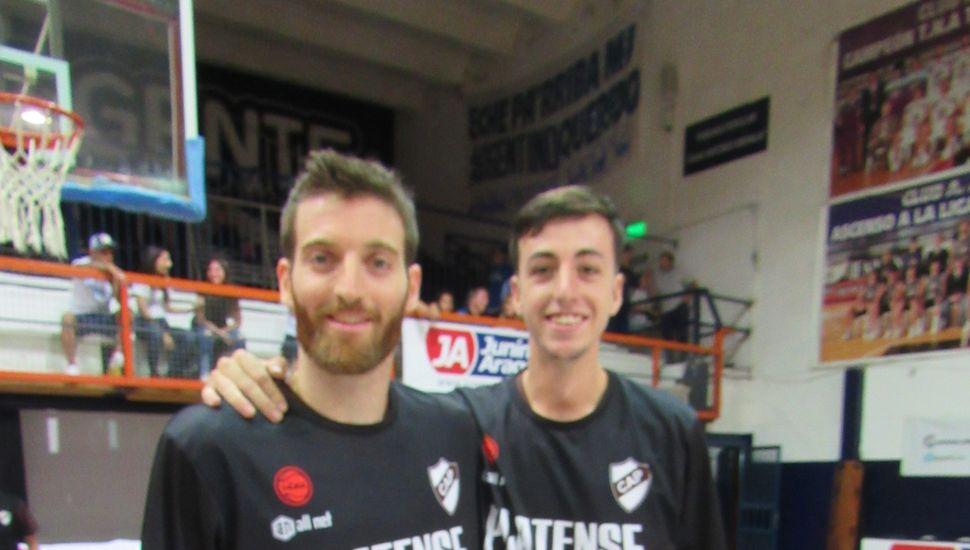 Marcos Saglietti y el juninense Genaro Lorio, dos ex Argentino de Junín en Platense.