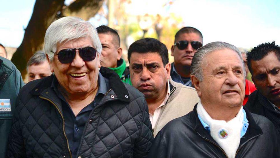 Duhalde, con Moyano, ayer, en Los Toldos.