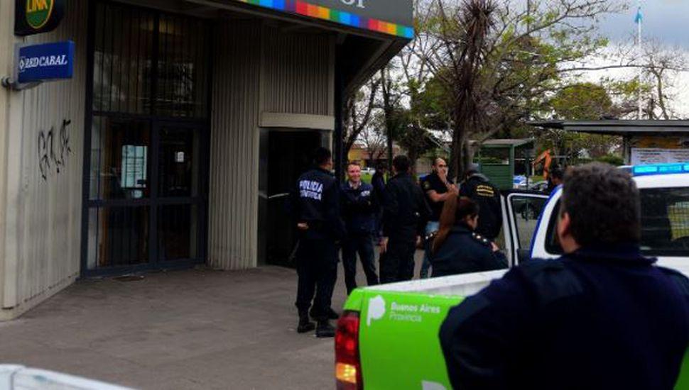 Asaltaron un banco en La Plata y se llevaron una suma millonaria