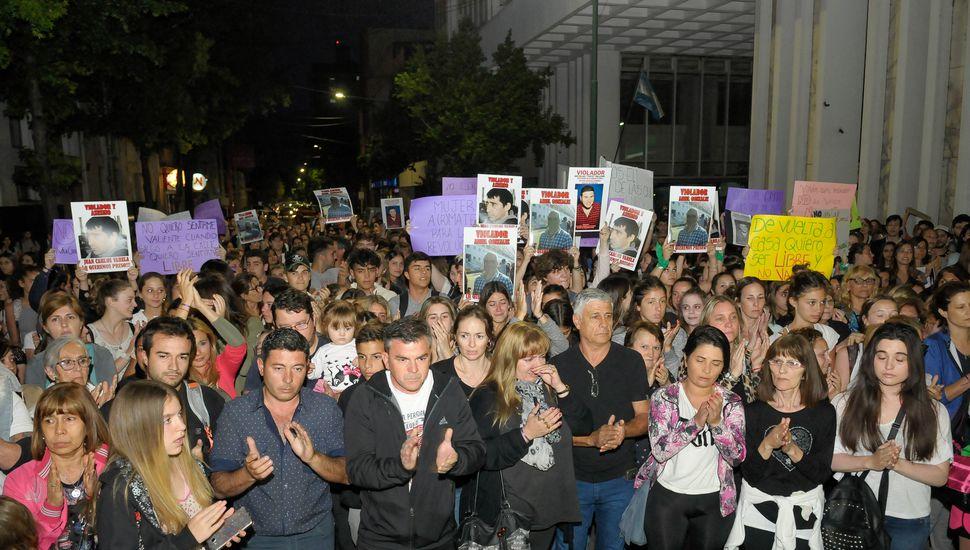 Masiva marcha en reclamo de justicia en el centro de Junín
