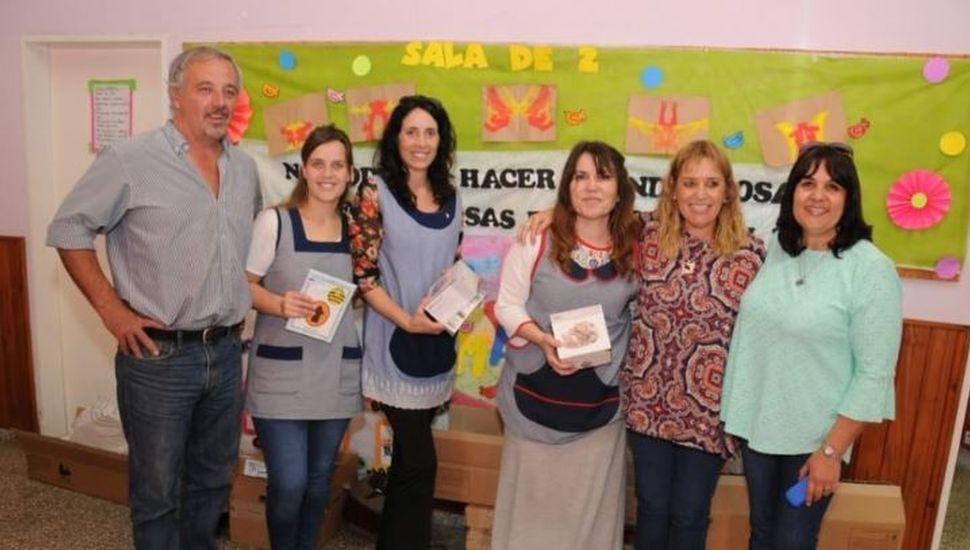 Se entregaron kits de robóticas a cuatro jardines de infantes de Rojas