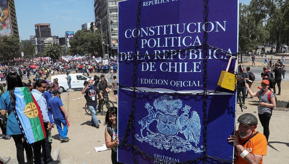 Acuerdo para reformar la Constitución en Chile lleva euforia a los mercados