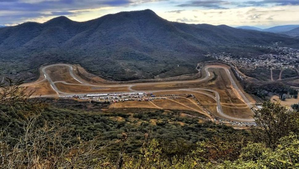 """El coqueto autódromo """"Martín Miguel de Güemes"""" recibe al Súper Turismo Competición 2000 este fin de semana."""