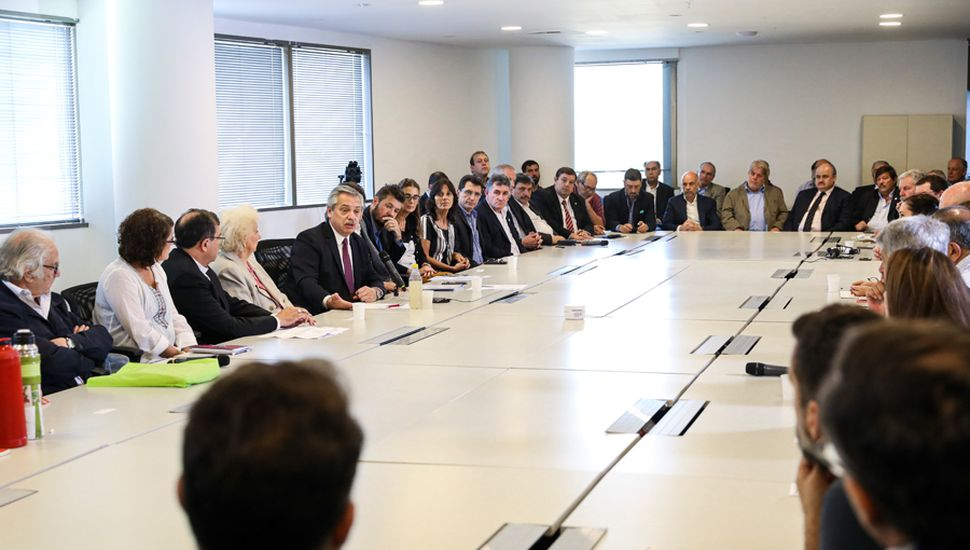 Alberto Fernández reunió a distintos actores sociales para poner en marcha el plan que plantea la erradicación del hambre en la Argentina.