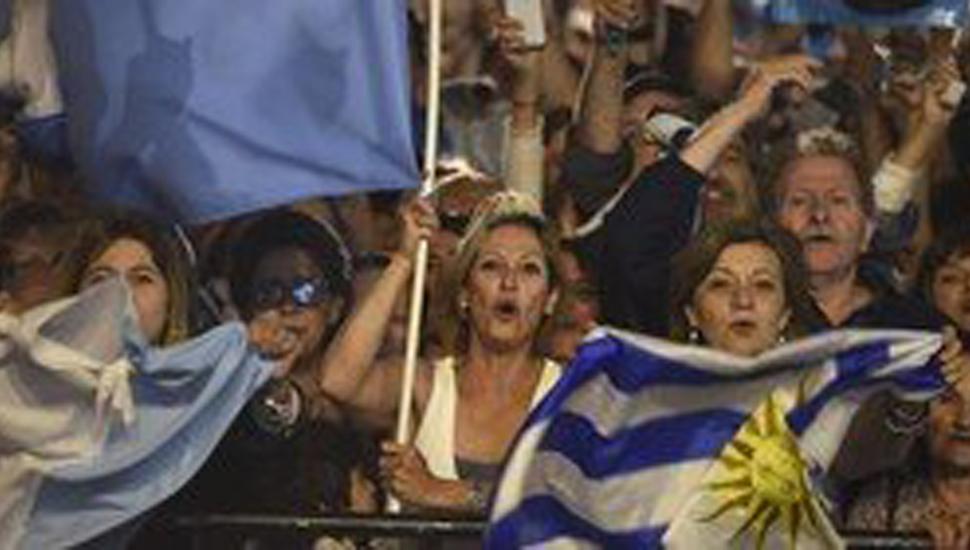 Uruguay: Lacalle Pou empieza a definir gabinete y el Frente Amplio asimila la derrota