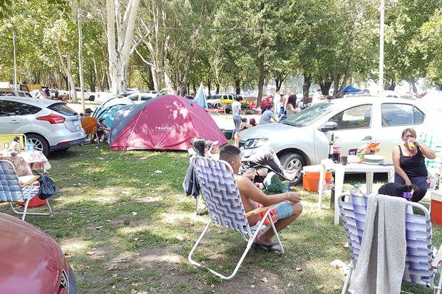 Hoteles, casas de alquiler y campings, con lleno total por la gran afluencia de turistas.