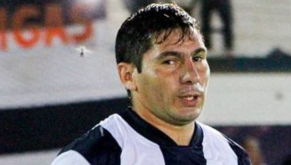 Luciano Millares sufrió una delicada lesión en un ojo, tras una pelea con otro joven en Lincoln, quedando ambos internados.