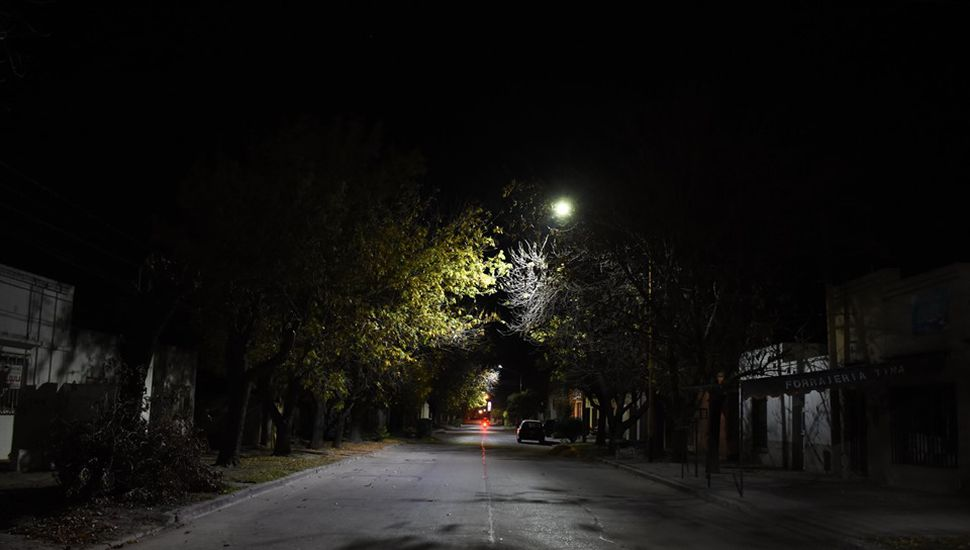 Colocaron más luces LED en calles de Chacabuco