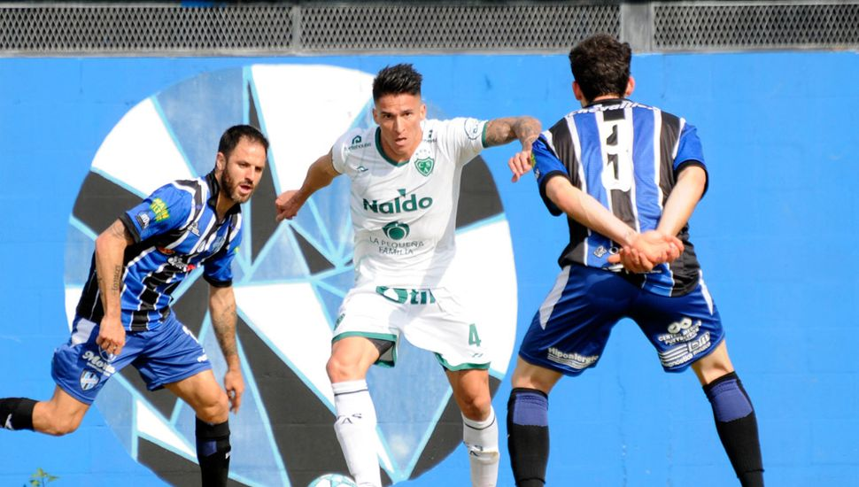 Lautaro Geminiani, el defensor reemplazará a Wilfredo Olivera.