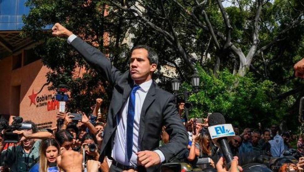 Venezuela: en medio de incidentes Guaidó logró ingresar a la Asamblea Nacional