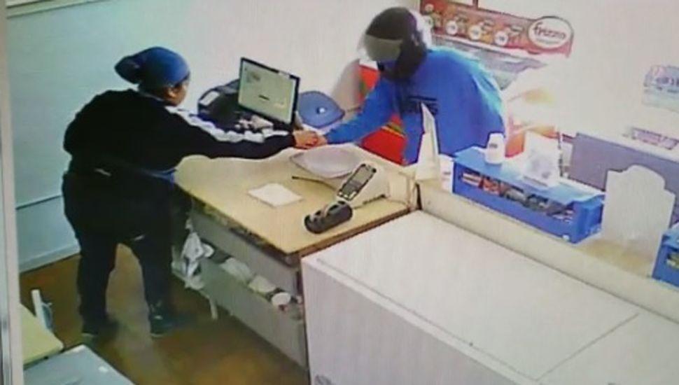 En Grido, el ladrón quedó filmado.